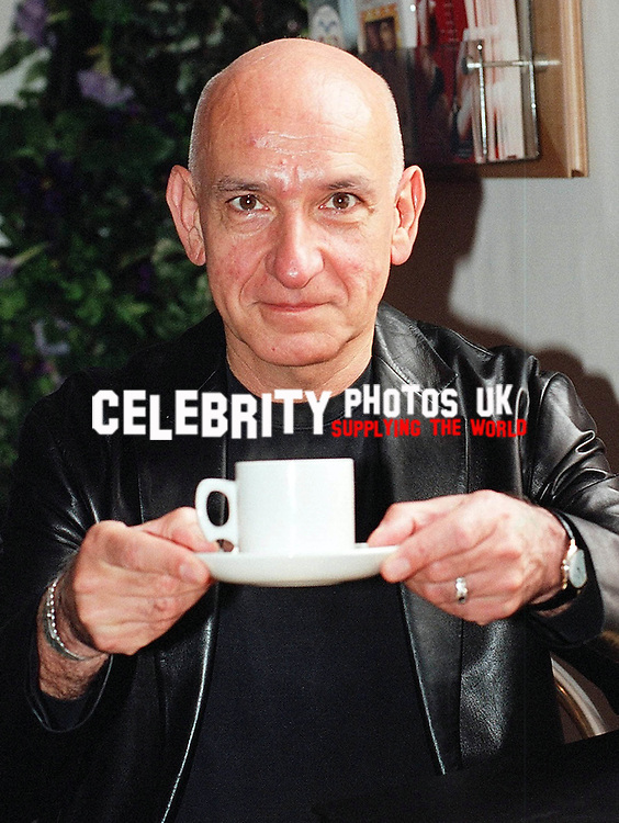 ben kingsley poped into the oxford play house for a cup of tea photo by brian jordan celebrityphotosuk.com