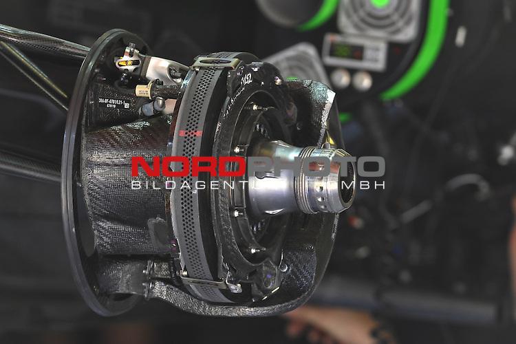 07.05 - 09.05.2015, Circuit de Catalunya, Barcelona, ESP, Formel 1, 2015,  im Bild  McLaren Honda MP4-30 - front break<br />  Foto &copy; nph / Mathis