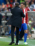 Atletico de Madrid's coach Diego Pablo Cholo Simeone (l) and Fernando Torres during La Liga match. April 4,2017. (ALTERPHOTOS/Acero)