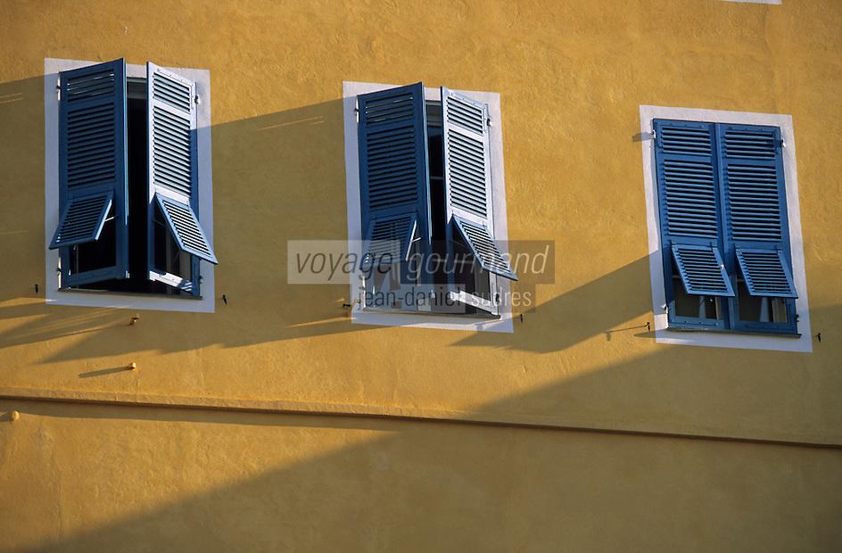 Europe/France/Corse/2B/Haute-Corse/Cap Corse/Bastia: Détail d'une façade sur le port [Non destiné à un usage publicitaire - [Non destiné à un usage publicitaire - Not intended for an advertising use]