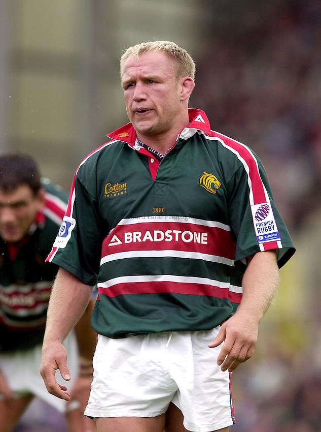 Photo. Richard Lane. .Leicester Tigers v Bath Rugby. Zurich Premiership. 05/10/2002.Neil Back