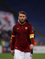 Calcio, Europa League: Ritorno degli ottavi di finale Roma vs Fiorentina. Roma, stadio Olimpico, 19 marzo 2015.<br /> Roma's Daniele De Rossi leaves at the end of the Europa League round of 16 second leg football match between Roma and Fiorentina at Rome's Olympic stadium, 19 March 2015. Fiorentina won 3-0.<br /> UPDATE IMAGES PRESS/Isabella Bonotto