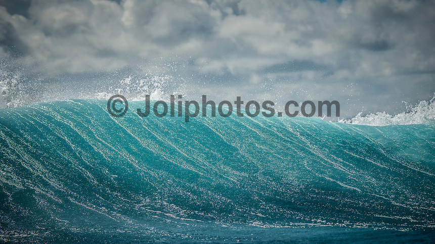 Namotu Island Resort, Nadi, Fiji (Wednesday, March 8 2017): The wind had picked up again this morning,  coming out of the out of the NE.  There had been big electrical storms with lots of rain during the night with  the swell dropping to around 4' Lefts and Cloudbreak were both working early around the dropping tide.Photo: joliphotos.com