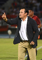 BARRANQUILLA - COLOMBIA - 12-08-2015.  Jan Reynoso director tecnico del Melgar del Peru  en accion contra   el Atletico Junior  durante partido  por la fecha 1 de la Copa Suramericana jugado en el estadio Metropolitano / Jan Reynoso coach  of Melgar of Peru   reacts during match   against  of   Atletico Junior of Colombia  during a match for the firts  date of the Liga Aguila II 2015 played at Metropolitano  stadium in Barranquilla city. Photo: VizzorImage / Alfonso Cervantes  / Contibuidor