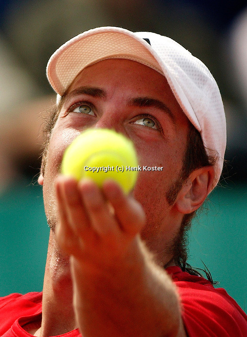 17-07-2004, Amersfoort, Tennis, Priority Dutch Open, Massu in atie tegen Verkerk