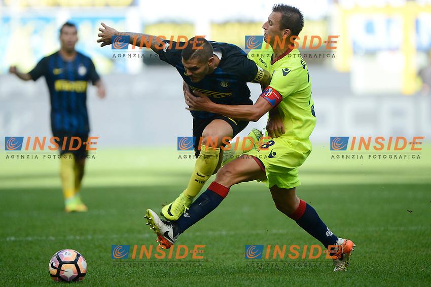 Mauro Icardi Inter, Daniele Gastaldello Bologna<br /> Milano 25-09-2016 Stadio Giuseppe Meazza - Football Calcio Serie A Inter - Bologna. Foto Giuseppe Celeste / Insidefoto