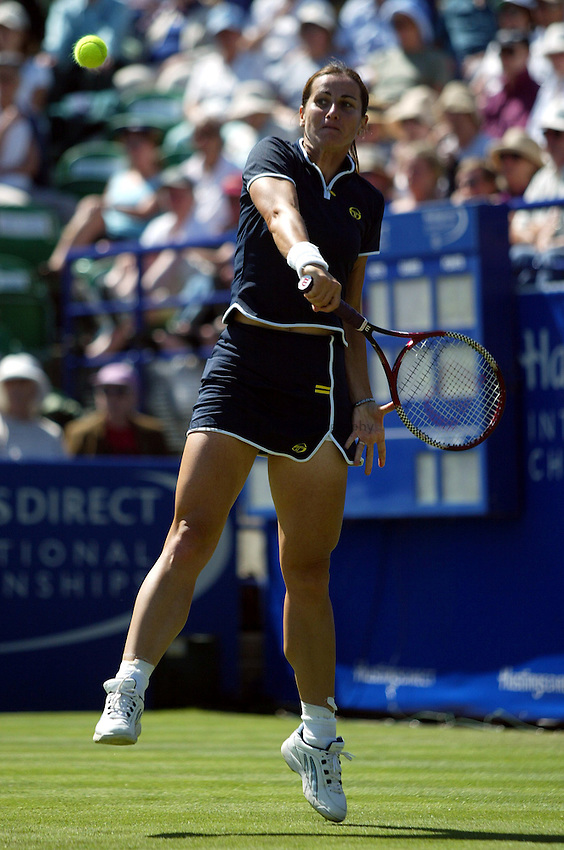 Photograph: Scott Heavey..Hastings Direct International Championships at Eastbourne. 20/06/2003..Silvia Farina Elia