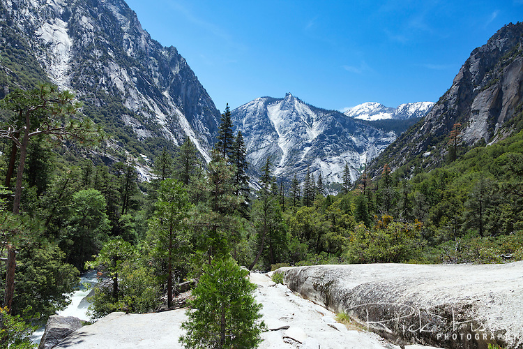 Mist Falls Trail in Kings Canyon National Park