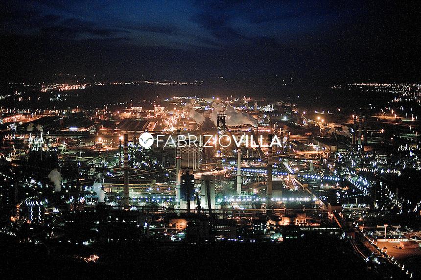 Veduta aerea delle acciaerie ILVA di Taranto.