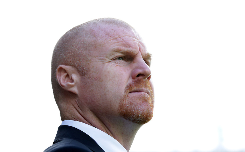 Burnley manager Sean Dyche  before the kick off<br /> <br /> Photographer Stephen White/CameraSport<br /> <br /> Football - The Football League Sky Bet Championship - Burnley v Birmingham City - Saturday 15th August 2015 - Turf Moor - Burnley<br /> <br /> &copy; CameraSport - 43 Linden Ave. Countesthorpe. Leicester. England. LE8 5PG - Tel: +44 (0) 116 277 4147 - admin@camerasport.com - www.camerasport.com