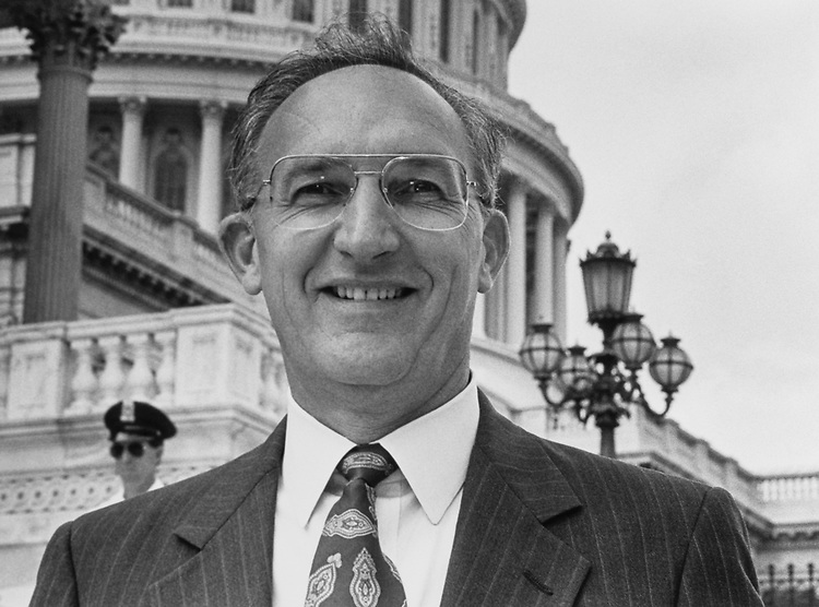Portrait of Rep. Toby Roth, R-Wis., on Sep. 10, 1992. (Photo by Kathleen Beall/CQ Roll Call)