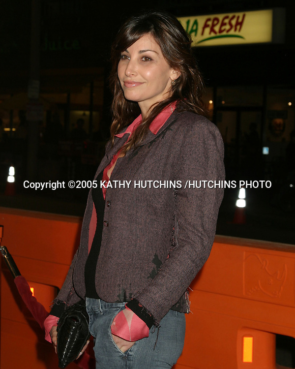 """GINA GERSHON.""""THE UPSIDE OF ANGER"""" SCREENING.MANN NATIONAL THEATER.WESTWOOD, CA.MARCH 3, 2005.©2005 KATHY HUTCHINS /HUTCHINS PHOTO..."""