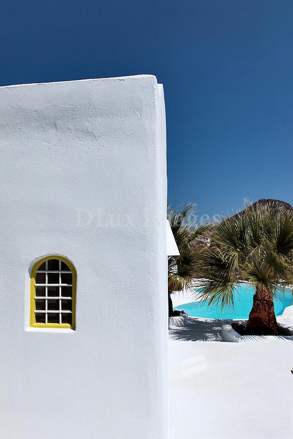 Cycladic white yard