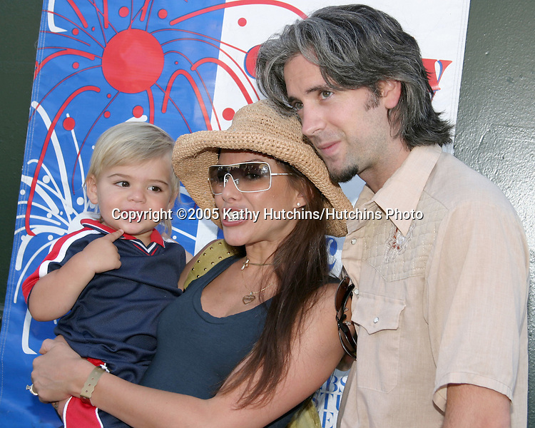 Kari Wuhrer, and son Enzo.Studio City 4th of July Celebration.CBS Radford Lot.Studio City, CA.July 4, 2005.©2005 Kathy Hutchins / Hutchins Photo