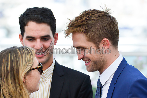 "25 May 2017 - Cannes, France - Benny Safdie, Robert Pattinson. ""Good Time"" Photocall - The 70th Annual Cannes Film Festival. Photo Credit: Jan Sauerwein/face to face/AdMedia"