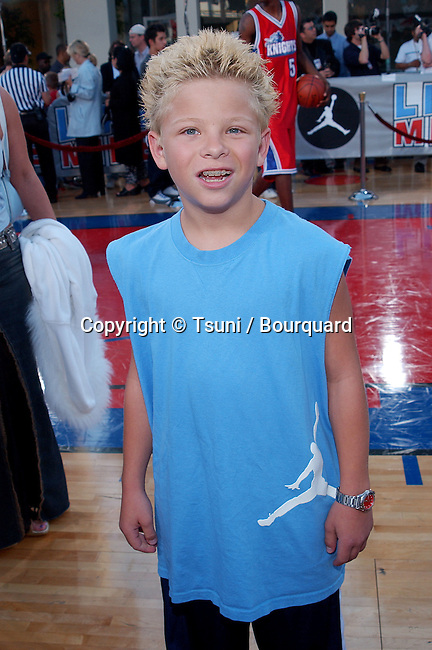Jonathan Lipnicki posing at the premiere of Like Mike at the Westwood Theatre in Los Angeles. June 27, 2002.           -            LipnickiJonathan01C.jpg