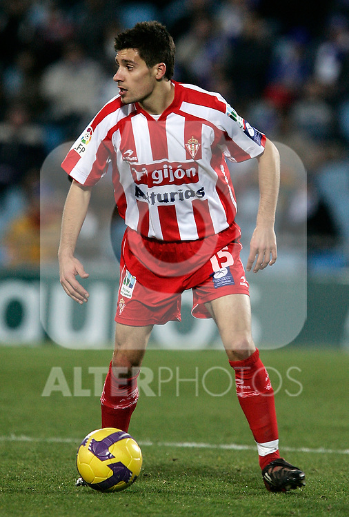 Sporting de Gijon's Roberto Canella during La Liga match, January 25, 2009. (ALTERPHOTOS).