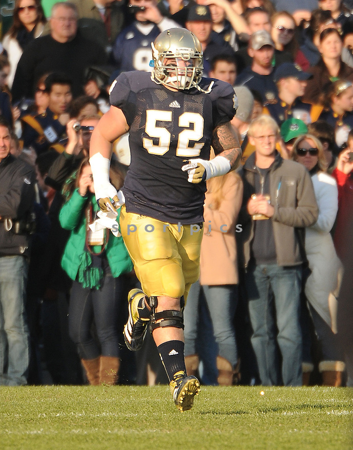Notre Dame Fighting Irish Braxton Cave (52) in action during a game against Wake Forest on November 17, 2012 at Notre Dame Stadium in South Bend, IN. Notre Dame beat Wake Forest 38-0.
