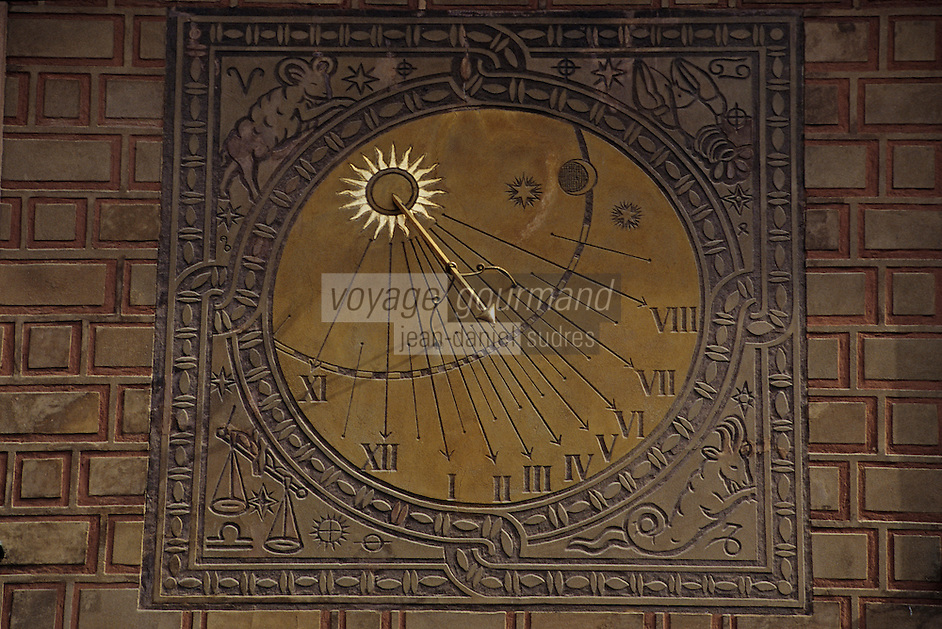 Europe/Pologne/Varsovie: Place du vieux-marché (Rynek Starego Miasta) de la vieille ville - Détail cadran solaire