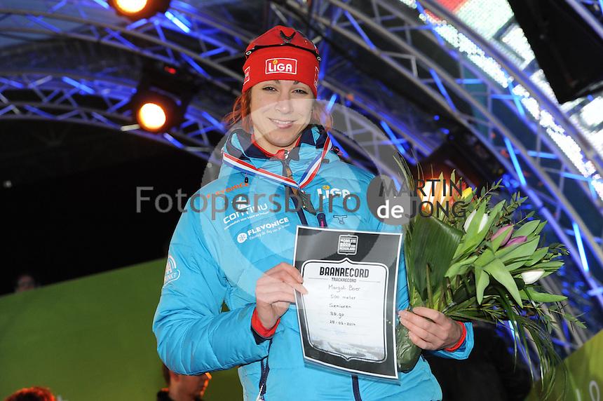 SCHAATSEN: AMSTERDAM: Olympisch Stadion, 28-02-2014, KPN NK Sprint/Allround, Coolste Baan van Nederland, podium Dames Sprint 500m, Margot Boer met baanrecord, ©foto Martin de Jong