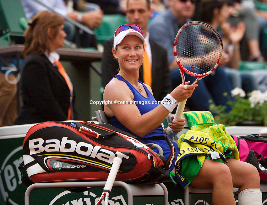 France, Paris, 30.05.2014. Tennis, French Open, Roland Garros, Samantha Stosur (AUS) gives a happy smile to her  coach after defeating Cibulkova (SVK)<br /> Photo:Tennisimages/Henk Koster