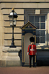 Grande Bretagne, Angleterre, Londres, garde at Buckingham Palace//Great Britain, England, London, guard at Buckingham Palace