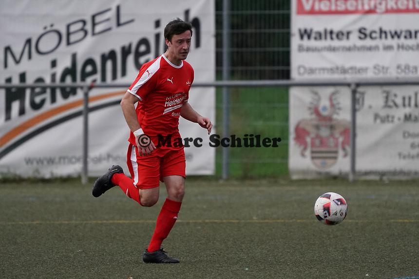 Lukas Dilling (Büttelborn) - Büttelborn 03.11.2019: SKV Büttelborn vs. SV 07 Nauheim, Gruppenliga Darmstadt