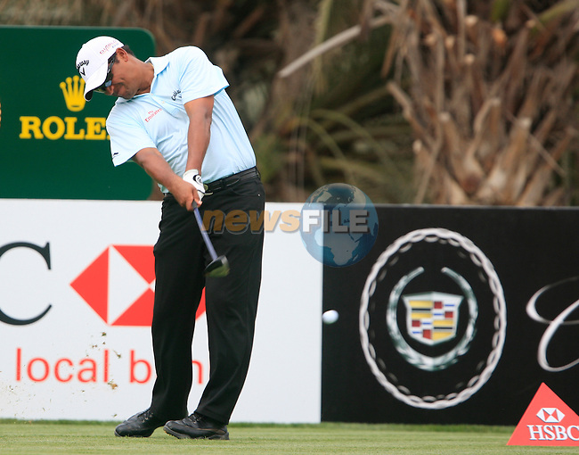 Michael Campbell tees off on the 14th tee during Thusday Day 1 of the Abu Dhabi HSBC Golf Championship, 20th January 2011..(Picture Eoin Clarke/www.golffile.ie)