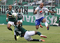 PALMIRA - COLOMBIA, 03-03-2019: Danny Rosero Valencia del Cali disputa el balón con Juan David Perez de Millonarios durante partido por la fecha 8 de la Liga Águila I 2019 entre Deportivo Cali y Millonarios jugado en el estadio Deportivo Cali de la ciudad de Palmira. / Danny Rosero Valencia of Cali vies for the ball with Juan David Perez of Millonarios during match for the date 8 as part Aguila League I 2019 between Deportivo Cali and Millonarios played at Deportivo Cali stadium in Palmira city.  Photo: VizzorImage / Gabriel Aponte / Staff