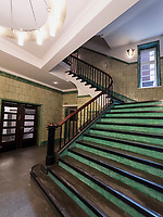 Treppenhaus im Chilehaus im Kontorhausviertel, erbaut 1922 bis 1924 von Fritz H&ouml;ger, Hamburg, Deutschland, Europa, UNESCO-Weltkulturerbe<br /> Staircase in Chilehaus building in Kontorhaus quarter, built 1922-1924 by Fritz H&ouml;ger,  Hamburg, Germany, Europe, UNESCO world heritage