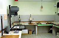 LaboratÌrio 4 para ampliaÁıes P&B   Foto Paulo Santos/Interfoto Sede da Interfoto - Fotografia e Video, criada em 1992