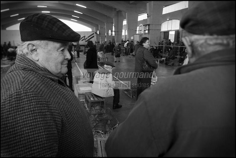 Europe/France/Midi-Pyrénées/32/Gers/Samatan: Marché aux volailles vivantes