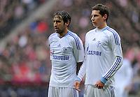 FUSSBALL   1. BUNDESLIGA  SAISON 2011/2012   23. Spieltag  26.02.2012 FC Bayern Muenchen - FC Schalke 04        Julian Draxler (re, FC Schalke 04) und Raul (FC Schalke 04)