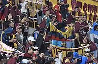 BOGOTÁ -COLOMBIA, 18-09-2016. Hinchas del Tolima animan a su equipo durante el encuentro entre La Equidad y Deportes Tolima por la fecha 13 de la Liga Águila II 2016 jugado en el estadio Metropolitano de Techo de la ciudad de Bogotá./ Fans of Tolima cheer for their team during the match between La Equidad and Deportes Tolima for the date 13 of the Aguila League II 2016 played at Metropolitano de Techo stadium in Bogotá city. Photo: VizzorImage/ Gabriel Aponte / Staff