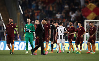 Calcio, Serie A: Roma, stadio Olimpico, 14 maggio 2017.<br /> AS Roma's coach Luciano Spalletti (c) ad players greets Juventus players after winning the Italian Serie A football match between AS Roma and Juventus at Rome's Olympic stadium, May 14, 2017.<br /> UPDATE IMAGES PRESS/Isabella Bonotto