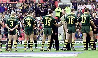 Picture by Shaun Flannery\SWpix.com - 25/11/00 - Rugby League World Cup Final 2000 - Australia v New Zealand, Old Trafford, Manchester, England - Olympic rowing champion Steve Redgrave meets the Australian team.