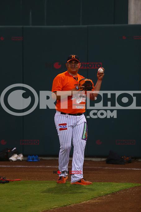 Juan Pablo Oramas pitcher  de Naranjeros , previo al juego contra Aguilas de Mexicali, la Fiesta Mexicana del beisbol  celebrada  en el estadio Sloan Park de Phoenix (Meza) Arizona, el 18 de Septiembre del 2015.<br /> <br /> CreditoFoto:LuisGutierrez<br /> TodosLosDerechosReservados<br /> ElIMPARCIAL