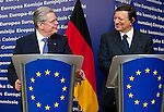 Brussels-Belgium, April 17, 2012 -- José (Jose) Manuel BARROSO (ri), President of the European Commission, and Joachim GAUCK (le), President of the Federal Republic of Germany, briefing the media after their meeting -- Photo: © HorstWagner.eu