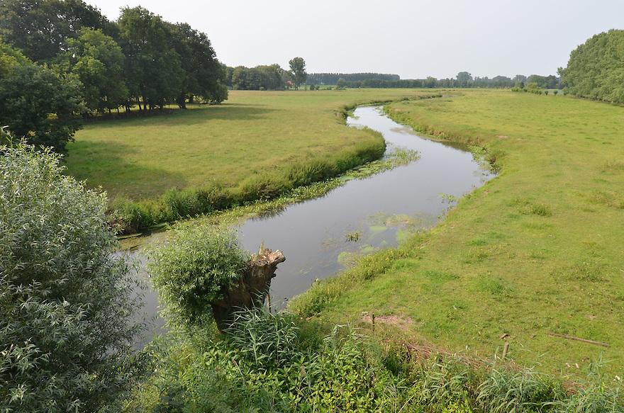 Nederland, Sint Oedenrode, 14 juli  2013<br /> Rivier de Dommel meandert door het landschap. <br /> Foto(c): Michiel Wijnbergh
