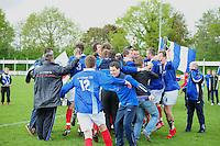 VOETBAL: SURHUISTERVEEN: Sportpark 't Ketting, 12-05-2012, Zaterdag 2e Klasse I, vv 't Fean '58 - SDS, Eindstand 2-1, Vreugde bij spelers, begeleiding en supporters na afloop van de wedstrijd, Ale Lanting (#3), Atze van der Veen (#12), Martin Nicolai (#8), Jan Ewoud Douwstra (#4), ©foto Martin de Jong