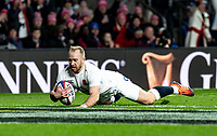 Dan Robson of England scores his try during the Guinness Six Nations match between England and Italy at Twickenham Stadium on March 9th, 2019 in London, United Kingdom. Photo by Liam McAvoy.