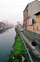 Milano, quartiere S. Cristoforo. Alzaia Naviglio Grande --- Milan, S. Cristoforo district. Naviglio Grande channel towpath