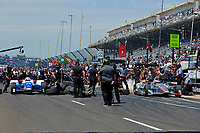 Verizon IndyCar Series<br /> Indianapolis 500 Carb Day<br /> Indianapolis Motor Speedway, Indianapolis, IN USA<br /> Friday 26 May 2017<br /> Final Round: James Hinchcliffe, Schmidt Peterson Motorsports Honda against Will Power, Team Penske Chevrolet pulls away for the win.<br /> World Copyright: F. Peirce Williams