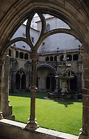 Europe/Portugal/Coimbra : Cloître de style manuelin du monastère de S. Cruz