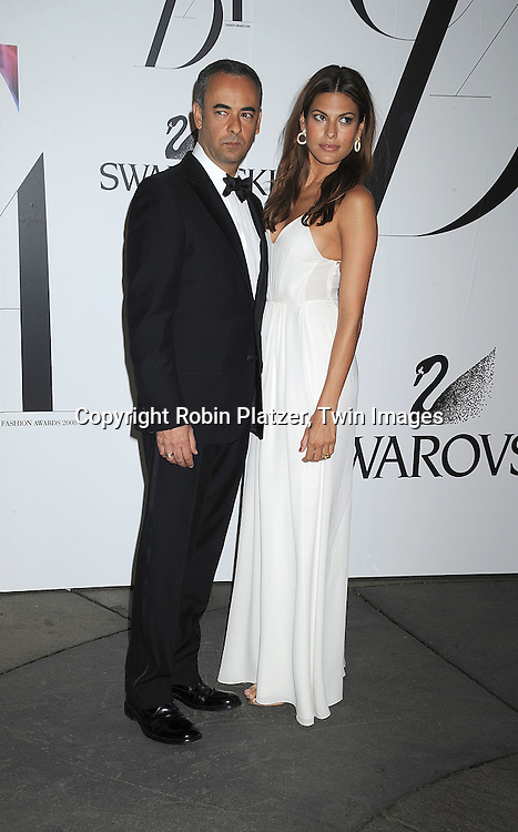 Gilles Mendel and Eva Mendes.posing for photographers at The 2008 CFDA Fashion Awards on June 2, 2008 at The New York Public Library in .New York City. ..Robin Platzer, Twin Images