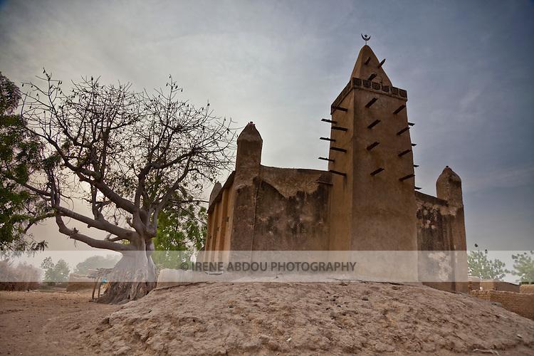 Mosque in the pottery village of Kalabougou, near Segou, Mali.