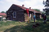 1995 May 01..Assisted Housing..Oakleaf Forest...Oakleaf Modernization.Bungalos before - See Pictrak 12:12 for after...NEG#.NRHA#..HOUSING:ComGrant  12:4