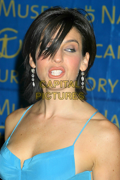 JESSICA SEINFELD.The Museum Ball 2004, American Museum of Natural History, New York City..November 17, 2004 .headshot, portrait, funny face, dangling earrings.www.capitalpictures.com.sales@capitalpictures.com.© Capital Pictures