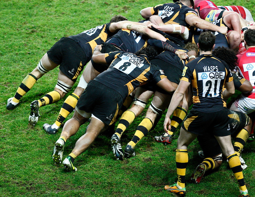 Photo: Richard Lane/Richard Lane Photography. London Welsh v London Wasps. 29/12/2012. Wasps scrum.