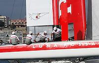 NAPOLI WORLD SERIES DELL AMERICAN'S CUP 2012.NELLA FOTO LUNA ROSSA SWORDFISH.FOTO CIRO DE LUCA